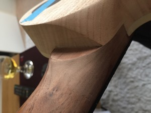 Carving neck access joint